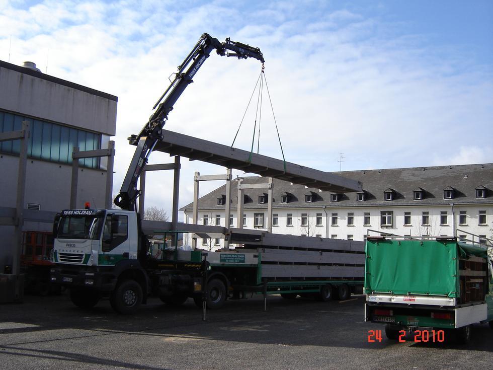 Kran transportarbeiten thies holzbau zimmerei for Fachwerk kran